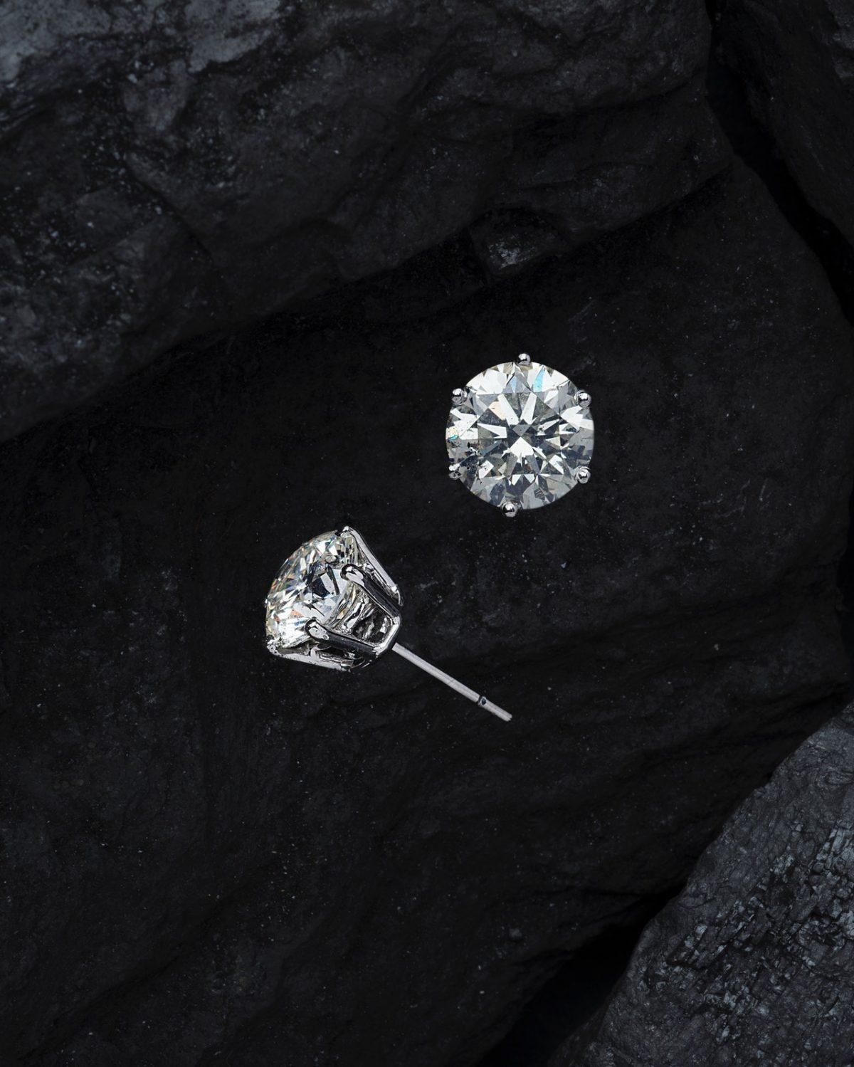 Close diamond photo